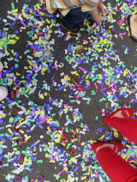confetti from party poppers