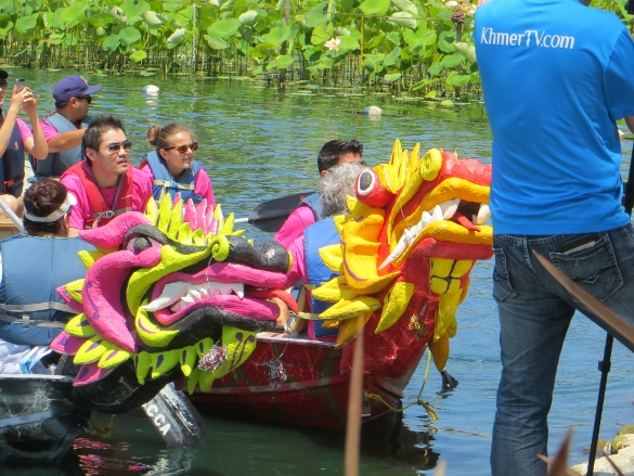 Dragon boats at 2015 Lotus Festival