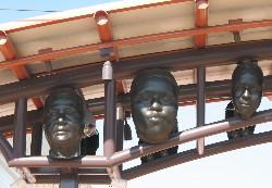 Pico Aliso Gold Line station masks