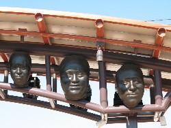 Portraits on Pico Aliso station