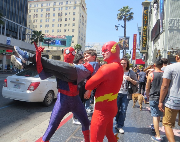 Superheros having fun Hollywood blvd : costumes hollywood blvd  - Germanpascual.Com