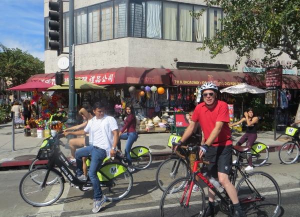 metro bicyles at ciclavia