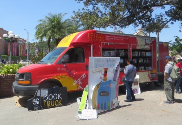 Spanish language book truck