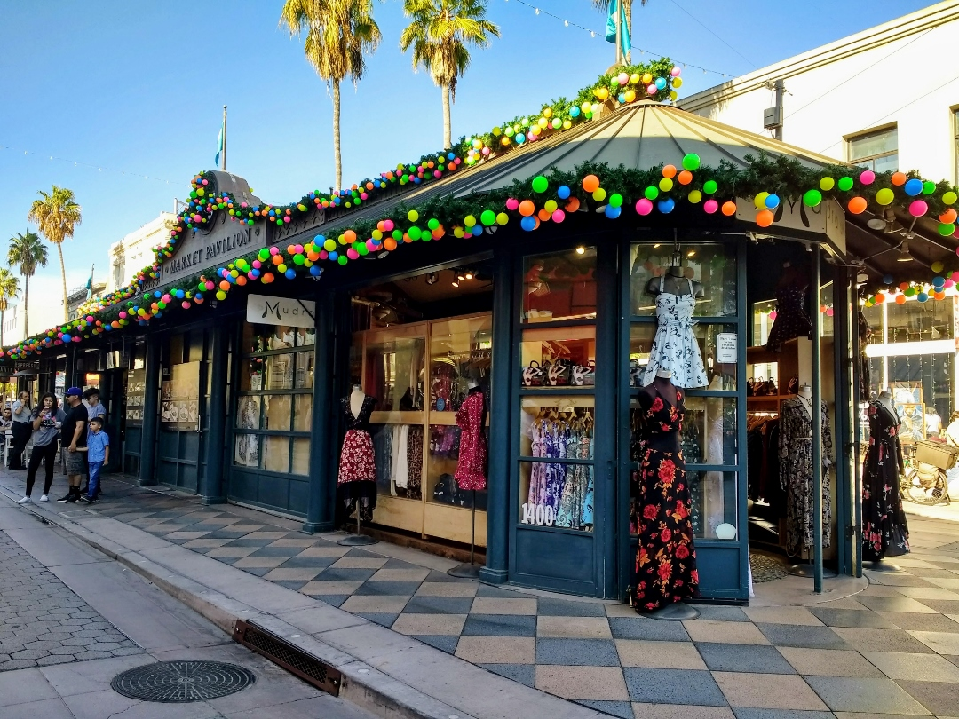 Third Street Promenade >> Searching For Santa At The Third Street Promenade In Santa Monica