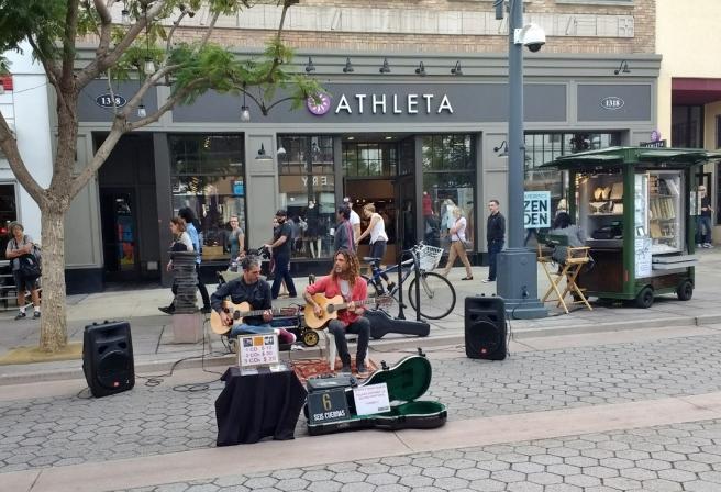 Street performers 3rd St Promenade