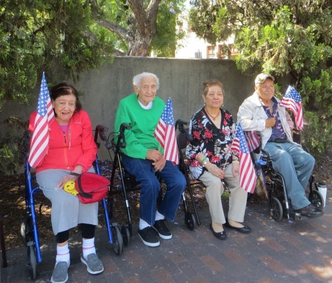 4 seniors watching South Pasadena parade
