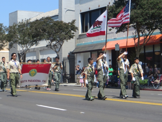 Boy Scouts lead South Pasadena 4th parade