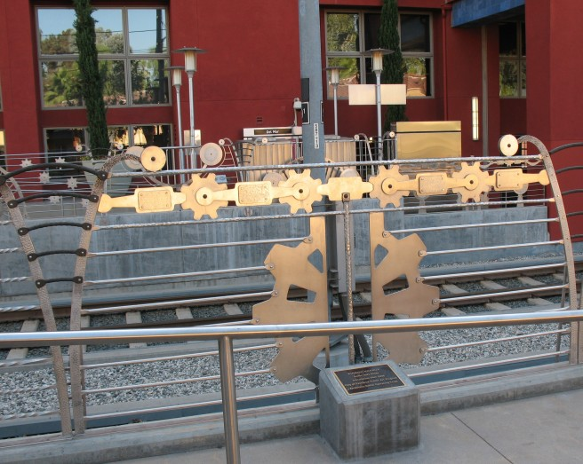 Ries Niemi art at Del Mar Gold Line station