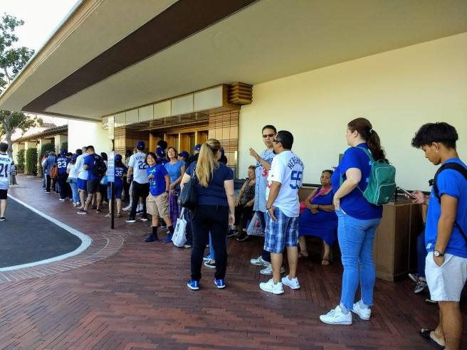 Dodgers fans lining up for the bus