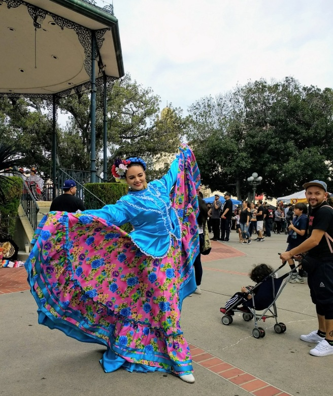 Folklorico dancer Day of Dead LA City Pix